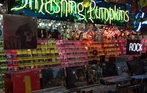 Morton students react to vinyl record resurgence