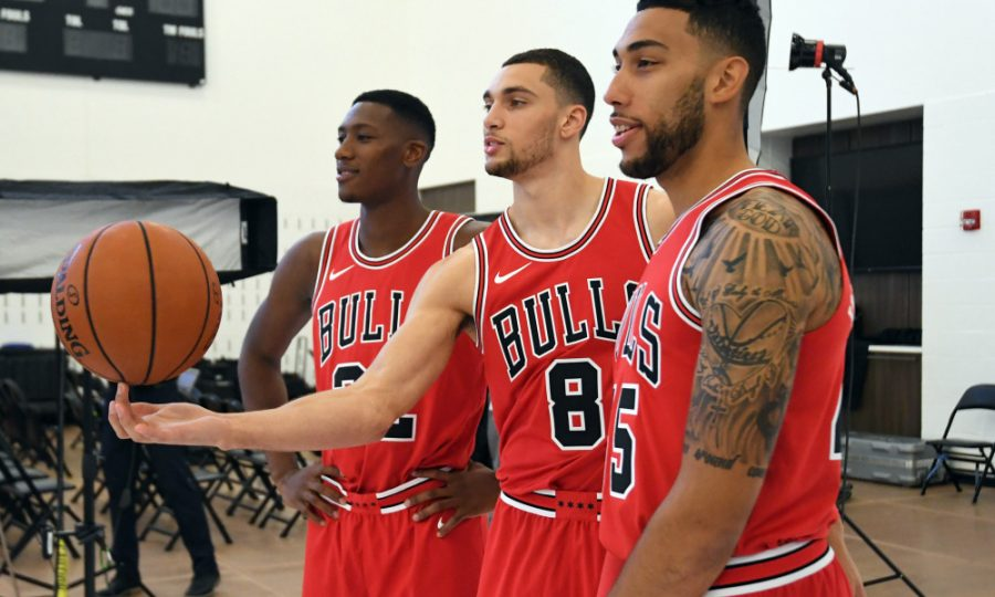 Sep+25%2C+2017%3B+Chicago%2C+IL%2C+USA%3B+Chicago+Bulls+guard+Kris+Dunn+%28left%29%2C+guard+Zach+LaVine+%28center%29%2C+and+guard+Denzel+Valentine+%28right%29+pose+for+a+photo+on+media+day+at+The+Advocate+Center.+Mandatory+Credit%3A+Patrick+Gorski-USA+TODAY+Sports+ORG+XMIT%3A+USATSI-363576+ORIG+FILE+ID%3A++20170923_pjc_gb9_522.JPG