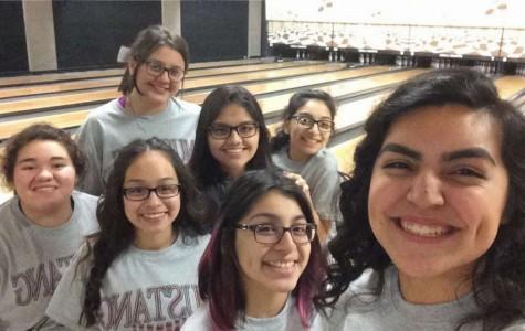 Bowling girls celebrate senior night