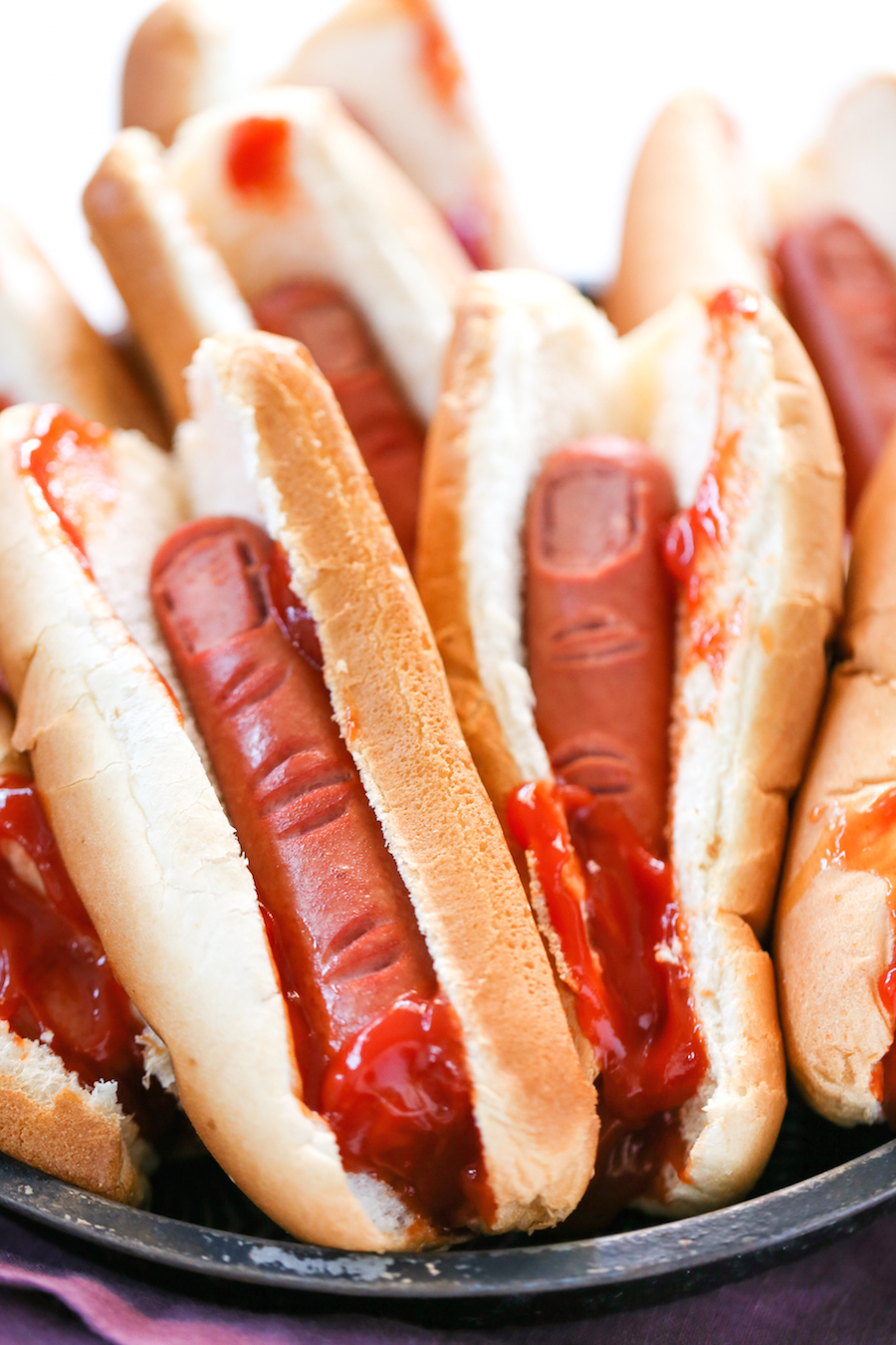 .. Halloween Bloody Severed Finger Hot Dogs, Gross Halloween Food, Finger Food, Halloween Party .